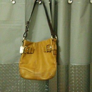 Coach shoulder bag excellent exterior